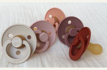 Bibs fopspenen in 100% natuurlijk rubber en trendy kleuren