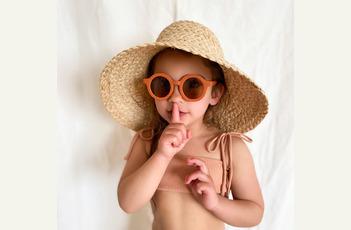 Grech & Co. kinderzonnebril, babyspeelgoed en haarspeld