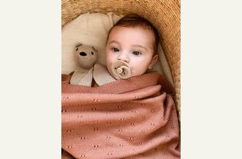 Hvid - duurzaam en tijdloos babybreigoed in zachte merinowol - Teddy Tokki - Blanket Bibi