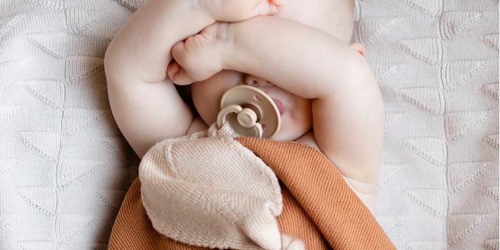 Hvid - knitwear • een Belgisch breigoedmerk met duurzame en tijdloze producten voor uw kleintjes