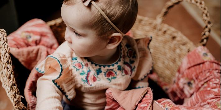Louise Misha - stijlvolle bohémian-chic dresscode voor meisjes van 3 m. tot 6 j. - AW 19/20