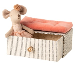 Mouse, Little sister - Dancing mouse in Daybed - Maileg