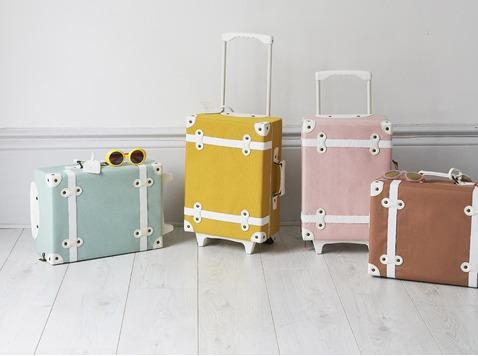 Olli Ella - rotan mandjes Lugy Natural en Minichari Natural en Seeya Suitcase